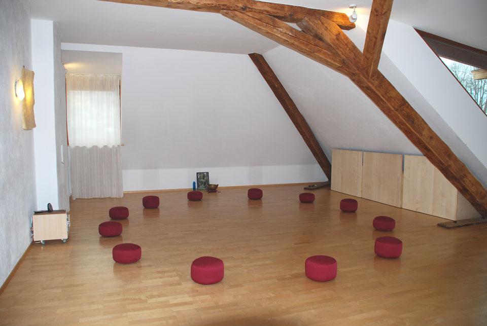 Raum d. Stille mit Sitzkissen website